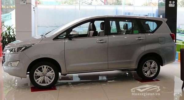 hong xe toyota innova 2 0 v 7 cho toyota tan cang 14 - Đánh giá Toyota Innova 2021, Xe 7 chỗ bán chạy một thời