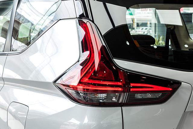 den hau mitsubishi xpander 2020 2021 at muaxegiatot vn - Chi tiết Mitsubishi Xpander 2021 - Sang trọng, Hiện đại