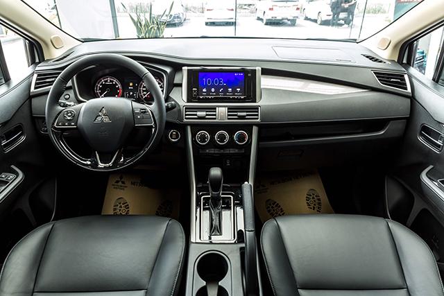 khoang noi that mitsubishi xpander 2020 2021 at muaxegiatot vn - Chi tiết Mitsubishi Xpander 2021 - Sang trọng, Hiện đại