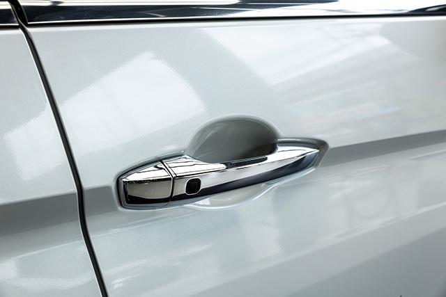 tay nam cua mitsubishi xpander 2020 2021 at muaxegiatot vn - Chi tiết Mitsubishi Xpander 2021 - Sang trọng, Hiện đại