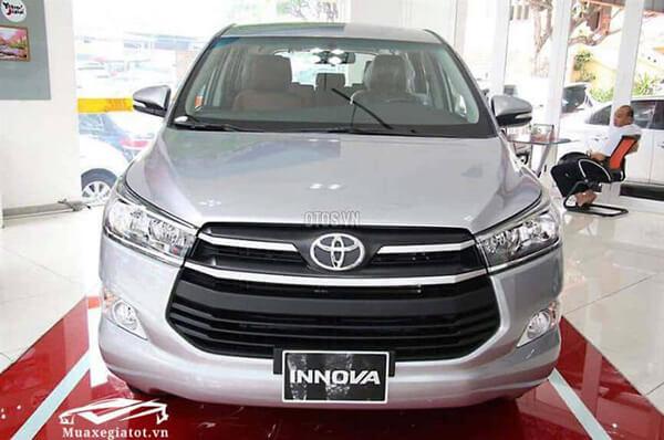 Toyota Innova 2 0E 2017 2021 MT so san 1 muaxegiatot vn 768x510 1 - Mua xe chạy dịch vụ chọn Toyota Rush AT hay Toyota Innova E số sàn