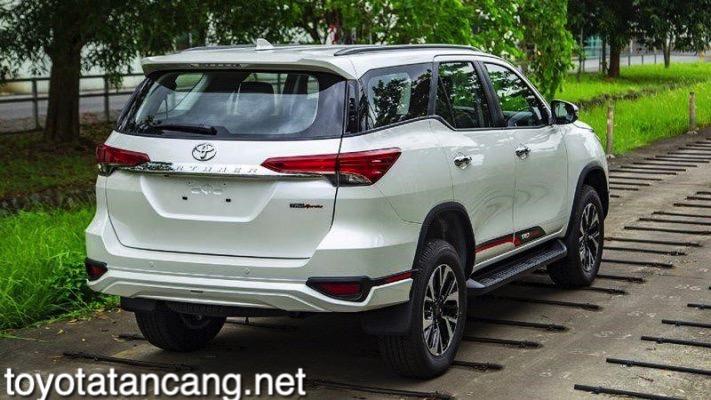 Xe-Toyota-Fortuner-TRD-2021-toyotatancang-net_13-711x400