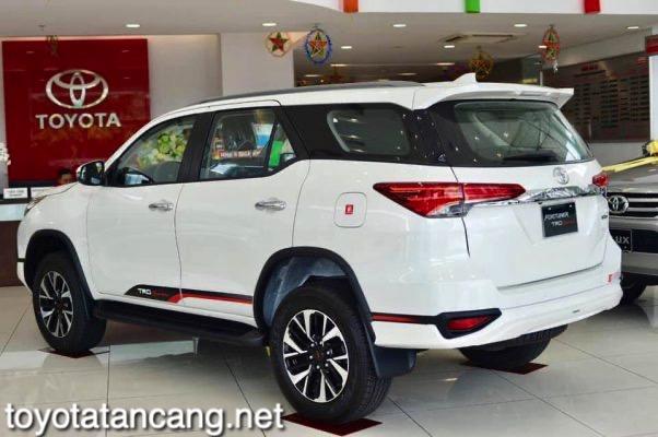 Xe-Toyota-Fortuner-TRD-2021-toyotatancang-net_8-602x400