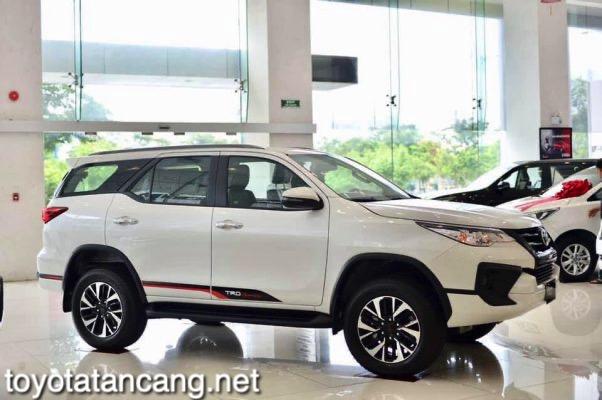 Xe-Toyota-Fortuner-TRD-2021-toyotatancang-net_9-602x400