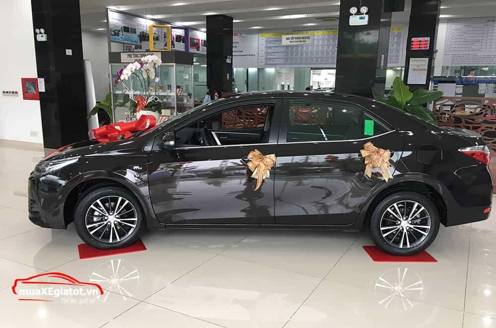 corolla altis 2021 2 0 CVT luxury mau den hong xe - Toyota Corolla Altis 2.0V 2021 - Bá chủ của dòng xe 5 chỗ tại Việt Nam