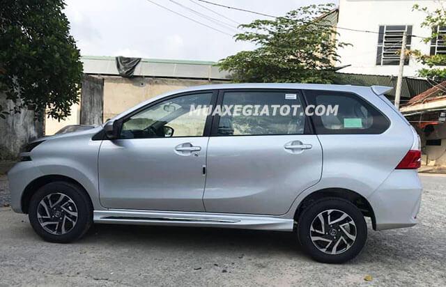 hong-xe-toyota-avanza-15at-2021-toyotatancang-net
