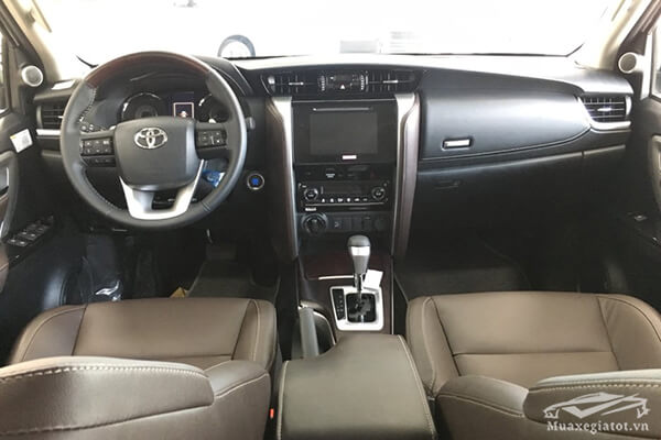 noi-that-fortuner-28v-at-may-dau-so-tu-dong-toyotatancang-net-7