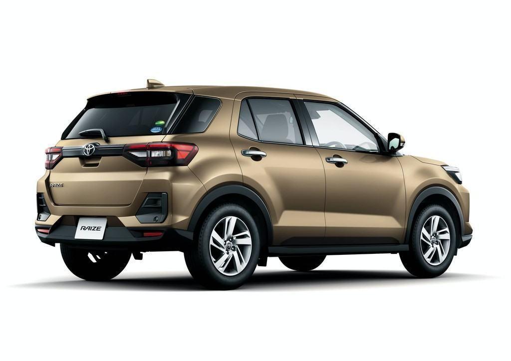 duoi xe toyota raize 2022 Giaxehoi vn 1024x724 1 - Chi tiết xe Toyota Raize 2022: tuyên chiến Kia Sonet, khai phá phân khúc SUV hạng A mới mẻ tại Việt Nam