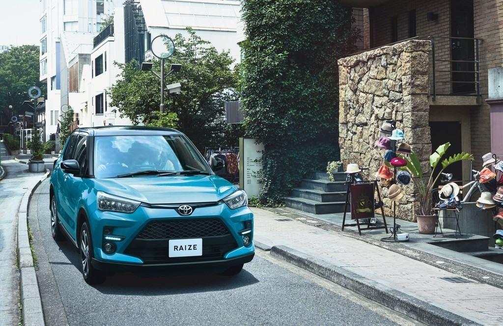 ra mat toyota raize 2022 Giaxehoi vn 1024x663 1 - Chi tiết xe Toyota Raize 2022: tuyên chiến Kia Sonet, khai phá phân khúc SUV hạng A mới mẻ tại Việt Nam